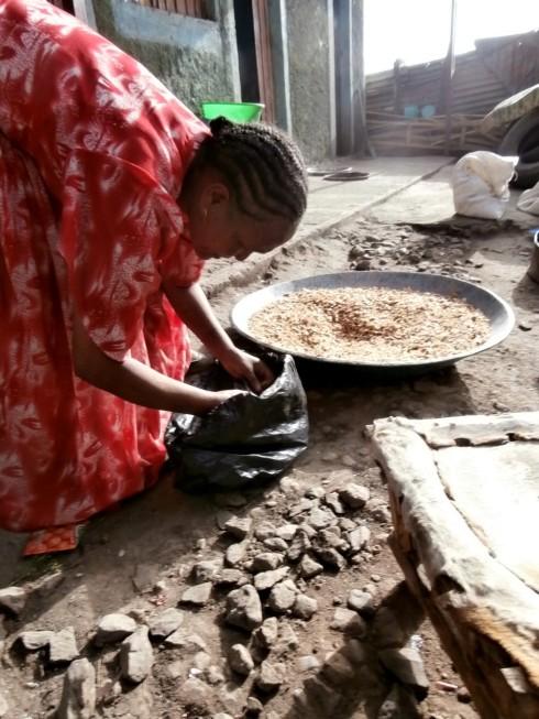 Making berbere