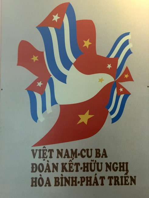 A mix of the Vietnamese and Cuban flags.